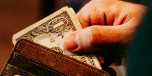 The Culture Of Tipping: Do You Know When And How Much To Tip?